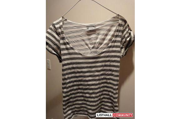 ZARA striped tee with buttons on the shoulders
