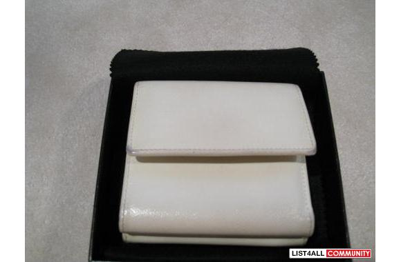 ***Authentic Chanel White Wallet***100% Authentic Chanel white wallet