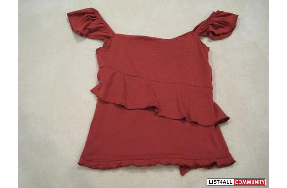 ***To The Max Cute Burgundy Top, Sz:XS***