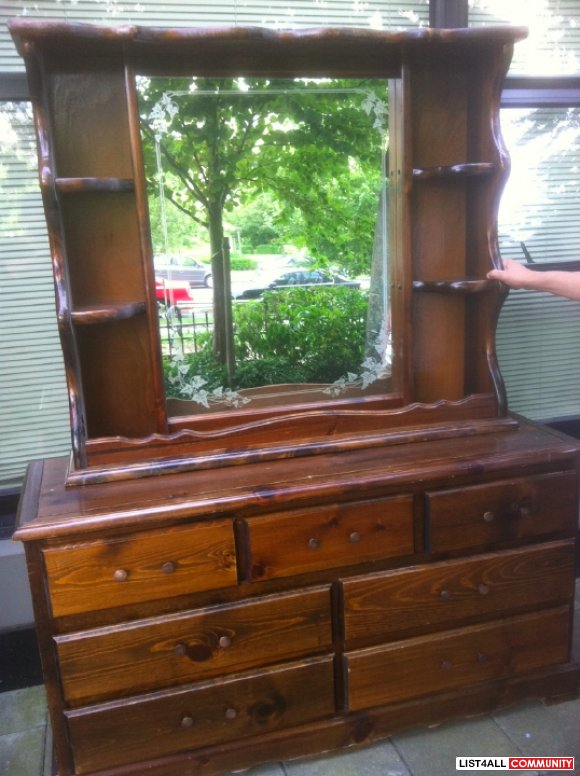 ANTIQUE DRAWERS & VANITY MIRROR