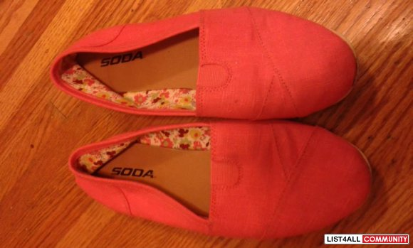 Toms (Like) Coral Pink Shoes Size 8