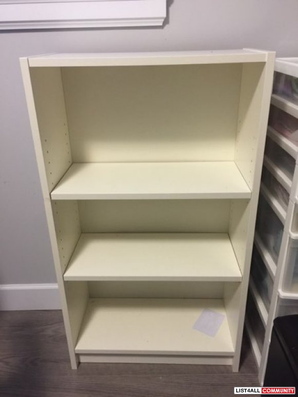 Very good condition bookcase shelf