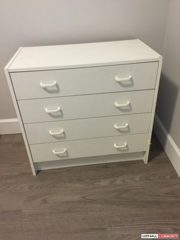 Good condition drawer chest for bedroom