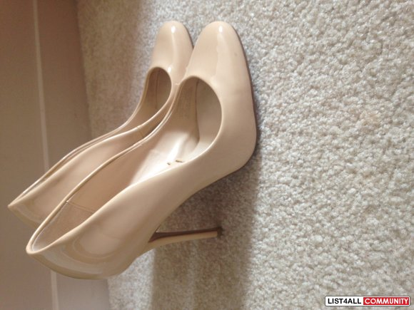 SPRING--ZARA NUDE ALMOND TOE PUMPS 6.5