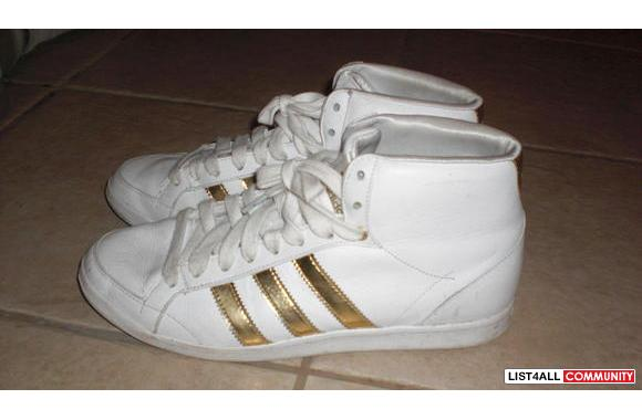 ADIDAS GOLD STRIPES WORN 3 TIMES FOR DANCE COMPETITION