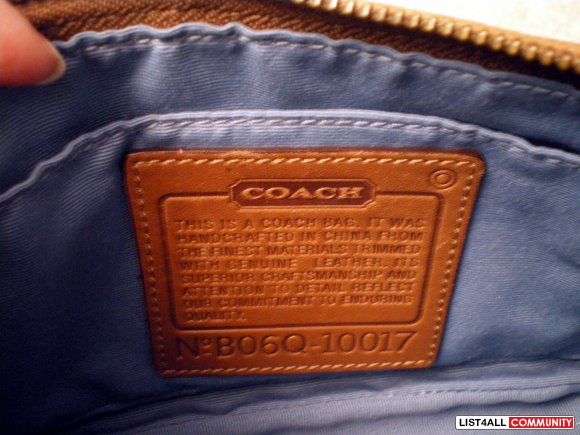 :::Authentic COACH Multi Pattern Hand Bag:::