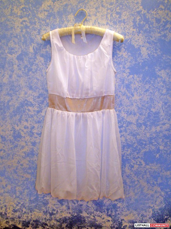 Brand New!! White Party Dress - size S-M