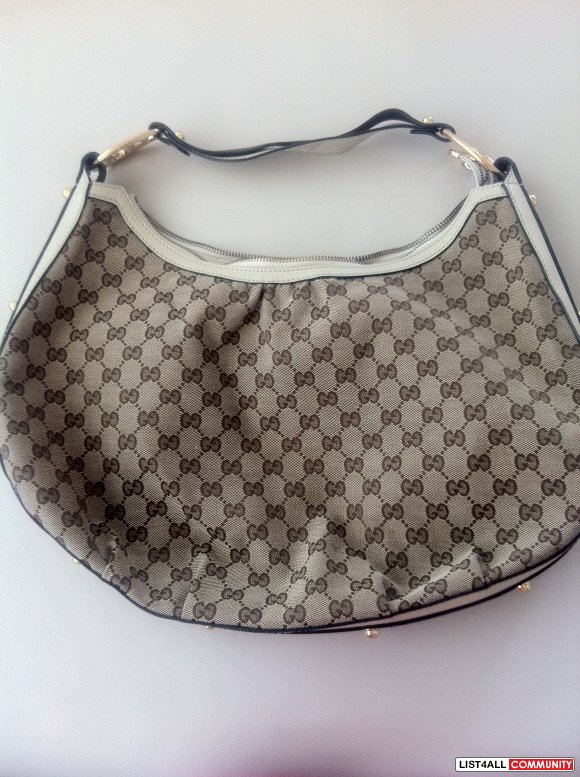 Gucci Interlocking Hobo