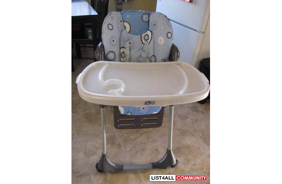 CHICCO POLLY HIGHCHAIR IN GREAT CONDITION ...