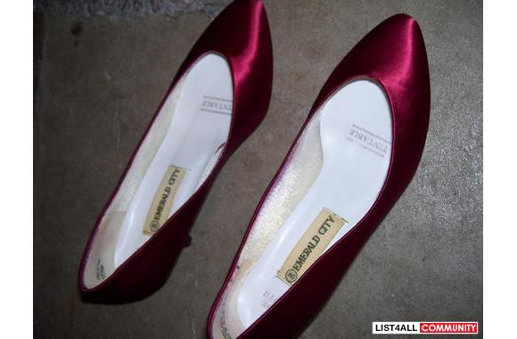 Dyed satin shoes worn once only