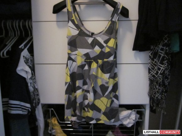 H&M TANK GREY WHITE YELLOW AND BLACK SIZE SMALL