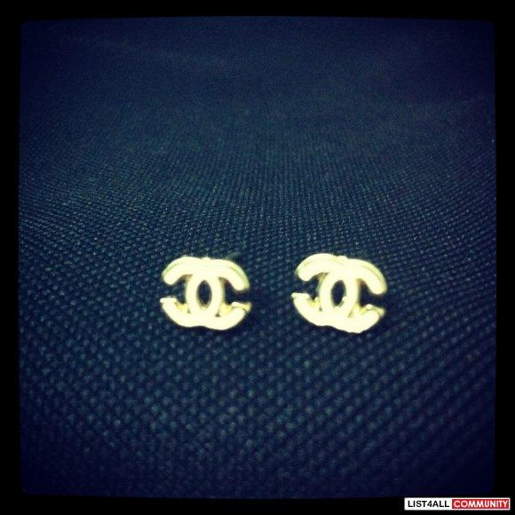 Chanel White Gold Stud Earrings Loves It List4all