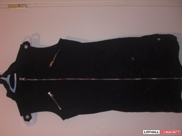 le cheateau dress xs never worn bough for over  79.99