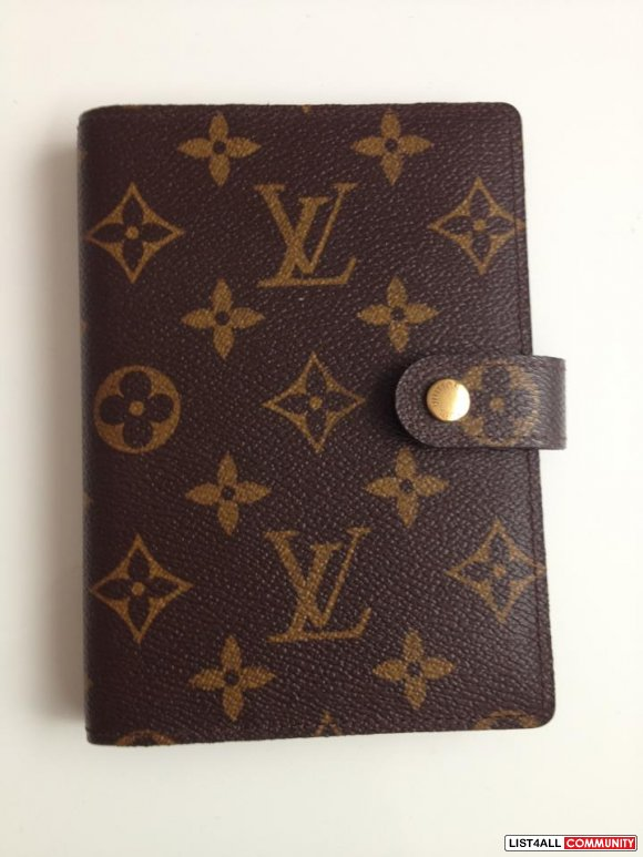 NEW & Authentic Louis Vuitton Agenda in Size Small
