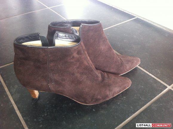 MICHAEL KORS dark brown suede ankle boots SIZE 5 US / 35 EU