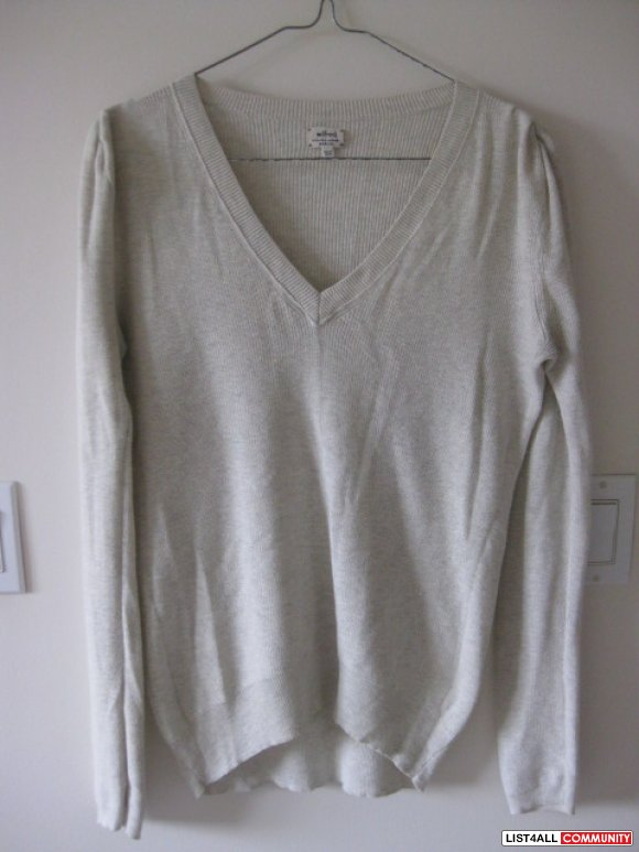Aritzia Wilfred Sweater Top