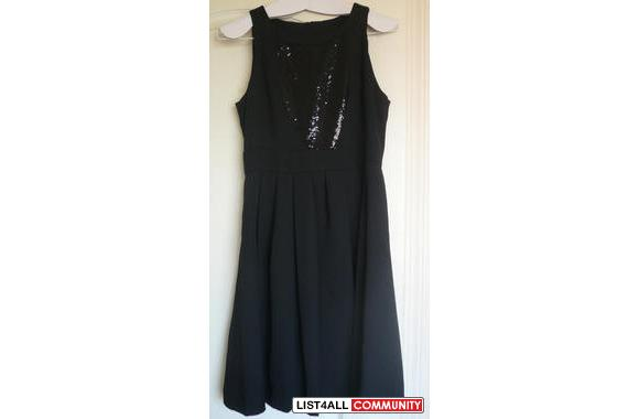 BLACK SLEEVELESS SPANGLED DRESS