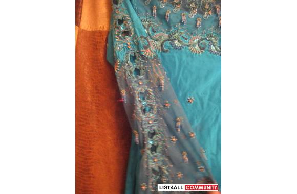 Ferozi Color http://www.list4all.com/pak-indo-dresses/ferozi_color_stylish_dress_i11.php