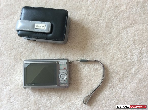 Casio Exilim EX-275 Point-and-shoot Digital Camera