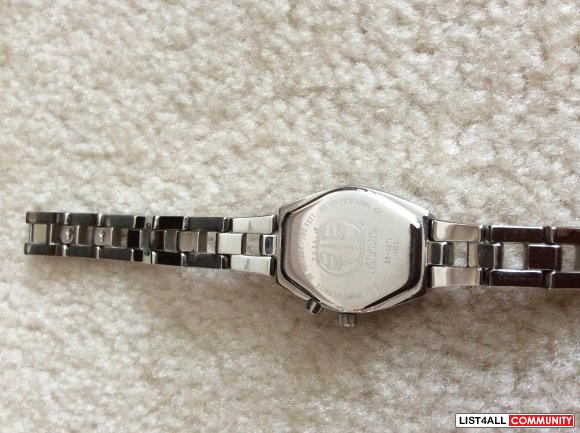 Fossil watch for ladies - classic style in silver
