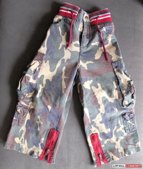 D & G Dolce and Gabbana Camouflage Pants (size 2)