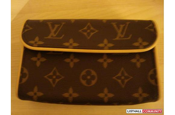 Louis Vuitton Florentine PouchCan be used as an evening pouch or as a