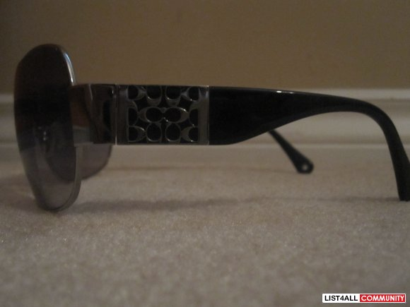 COACH BLACK AND SILVER SUNGLASSES