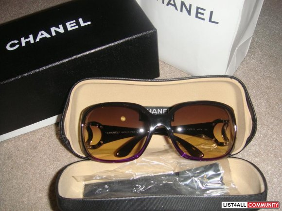 100% Authentic Chanel Sunglasses with silver CC logo on both sides, da