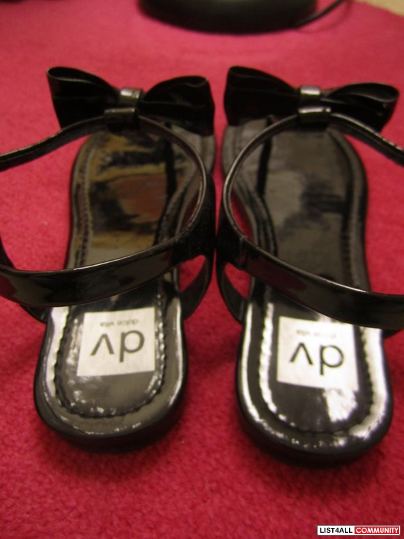 **BRAND NEW** Dolce Vita Black Bow Sandals 8
