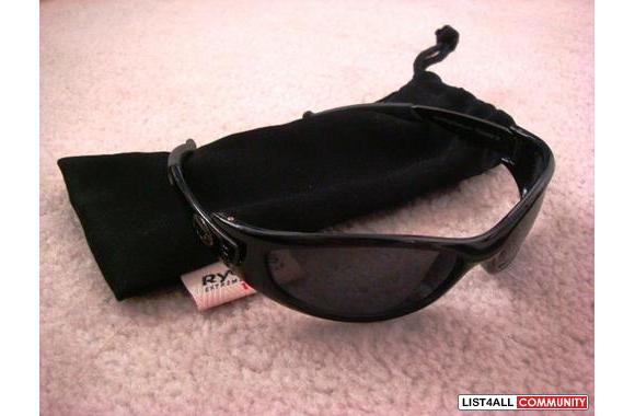 HARDCORE SUNGLASSES WITH POUCH