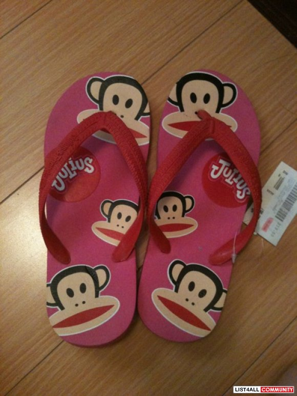 NWT PINK PAUL FRANK FLIP FLOPS SIZE SMALL 6