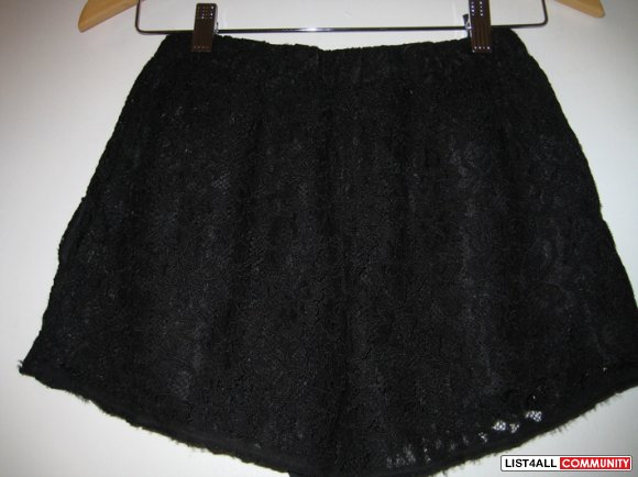 Aritzia Wilfred black lace shorts xxs