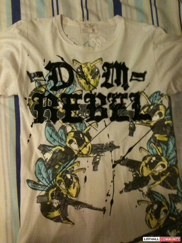 "Dom Rebel ""Bee Wars"" Size Small Men's"