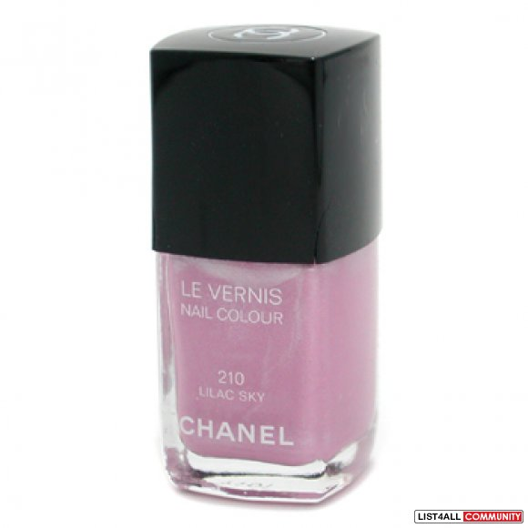 BNIB CHANEL NAIL POLISH
