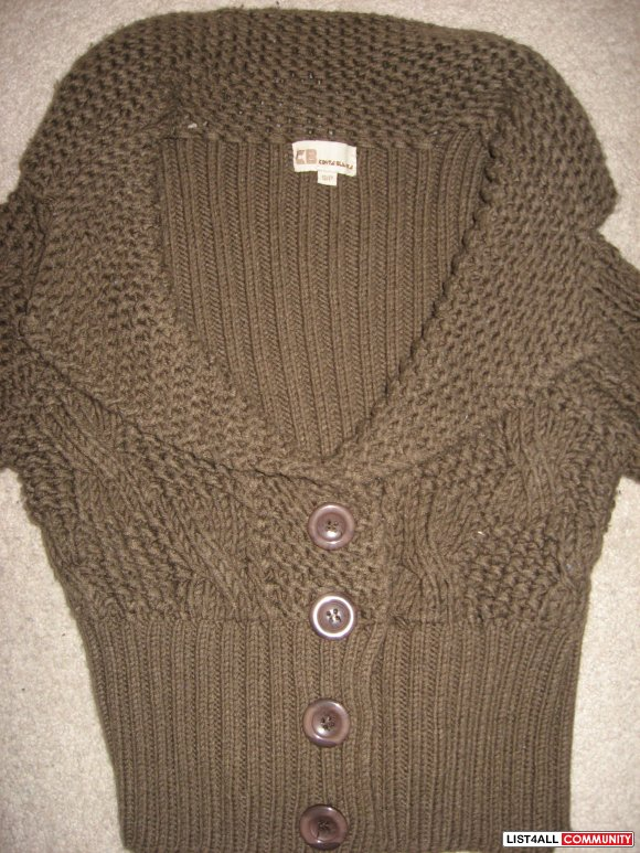 REDUCED $10 COSTA BLANCA Cropped Knit Sweater Sz Small