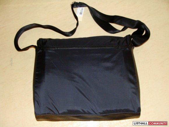 *BRAND NEW* Diesel Messenger Bag in 'Voyage'