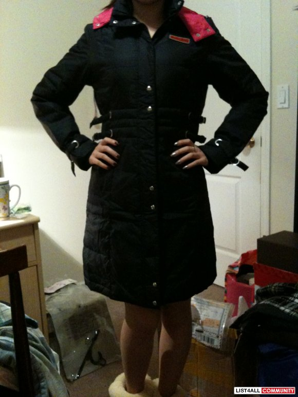 *PRICE REDUCED*brand new black/pink down coat with amazing details