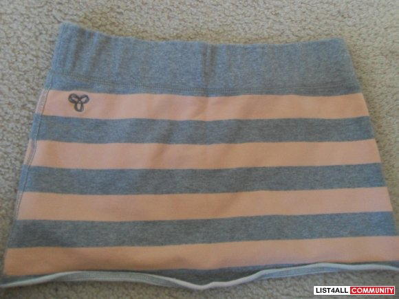 $25.00 TNA Skirt -Small- Grey/Pink