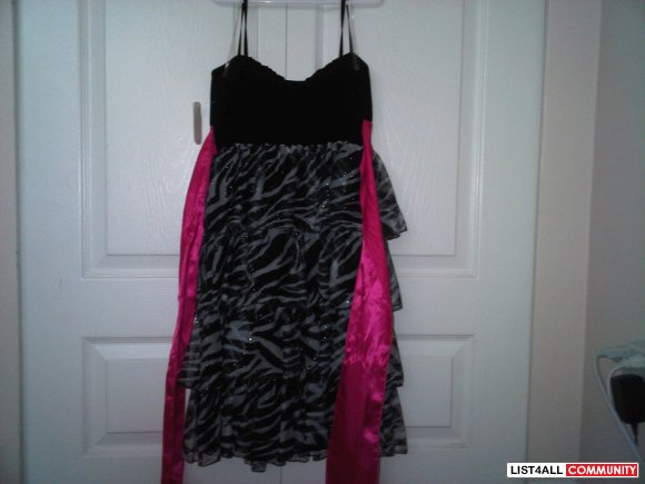 Alley Kat Dress - S (Never been worn. Tag still on.)