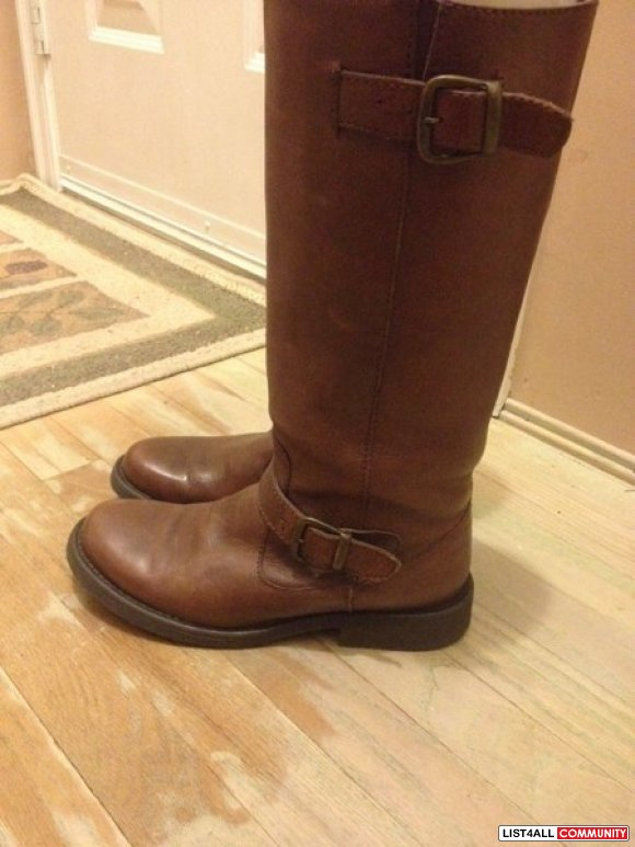 Steve Madden boots ! Size 7 only worn a handful of times, as you can s