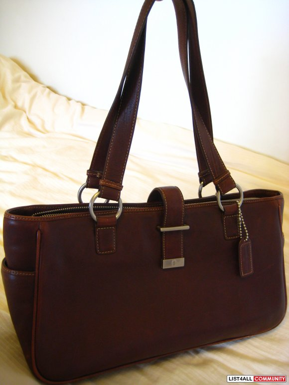 ETIENNE AIGNER leather purse (NEW)