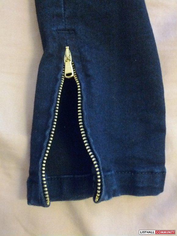 zara dark denim skinny jeans with zipper bottom  size 4