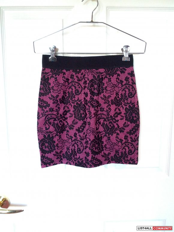 BNWT H&M Magenta and Black Lace Skirt (4)