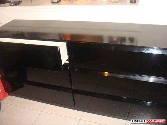 Matching Black Lacquer Headboard Dresser