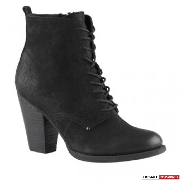 ALDO LACED UP ANKLE BOOTS- SIZE 6.5