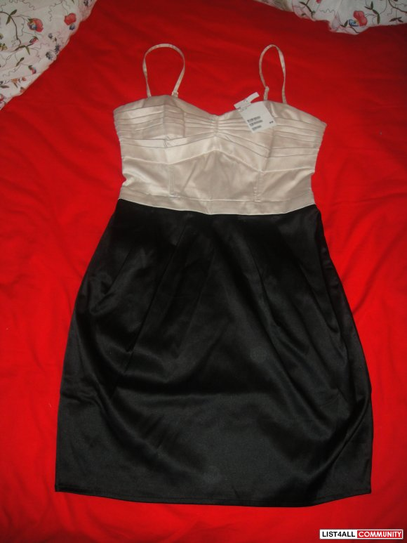 cute h&m dress -size 4( fits more like a size 2)