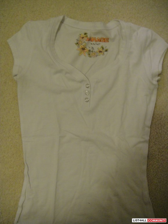 Plain white Garage T-shirt with 3 buttons