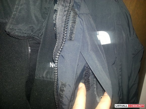 black north face rain proof jacket 2jackets in 1 inside is detachable