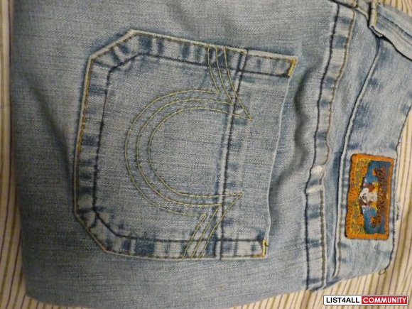 True Religion's *FITS LIKE 27*