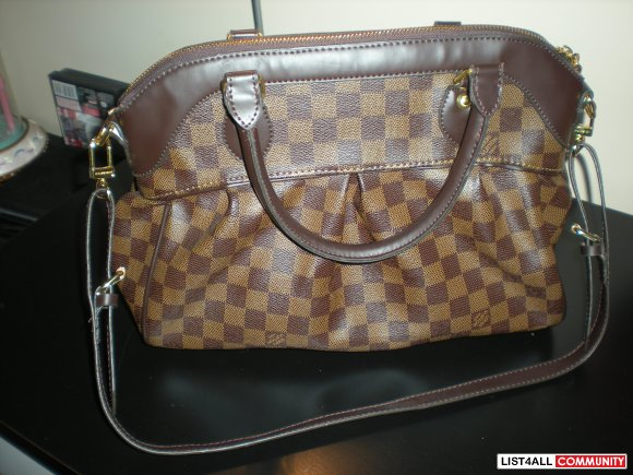 Louis Vuitton Trevi PM Replica